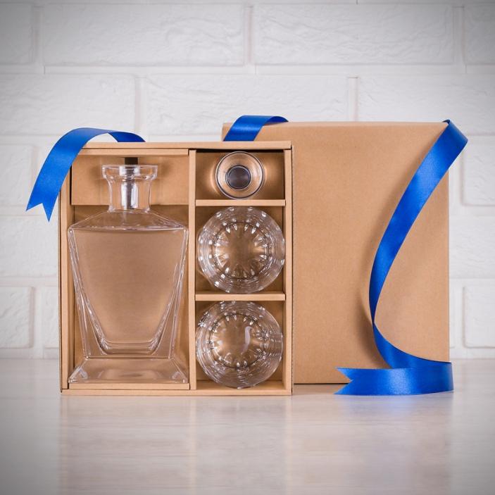 Pudełko na zestaw karafka oraz dwie szklanki